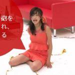 小島瑠璃子がお尻にキャノン砲をぶち込まれ、あまりの痛さに崩れ落ちる。